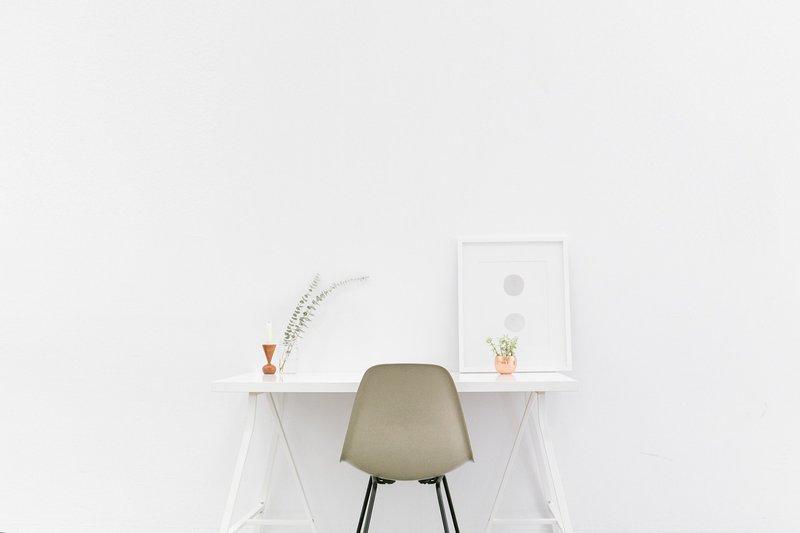 desk-1081708_1280.jpg